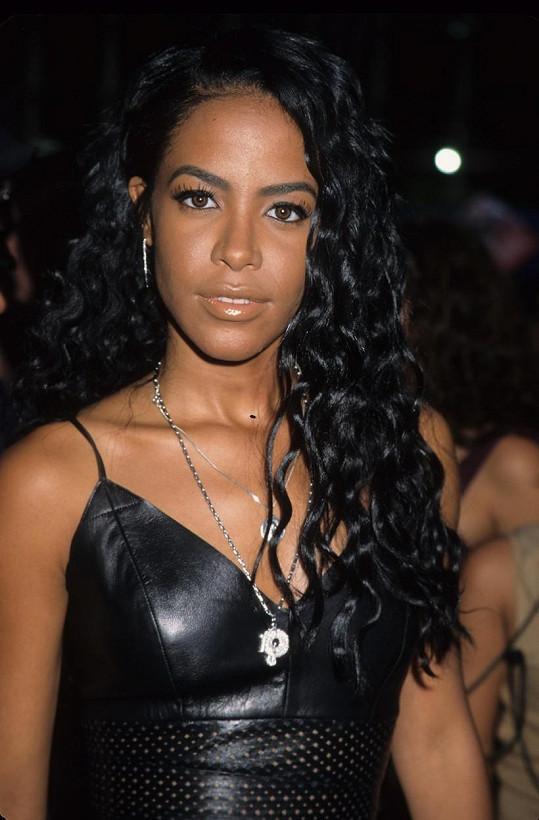 Tragédií skončila cesta zpěvačky Aaliyah z Baham do USA.