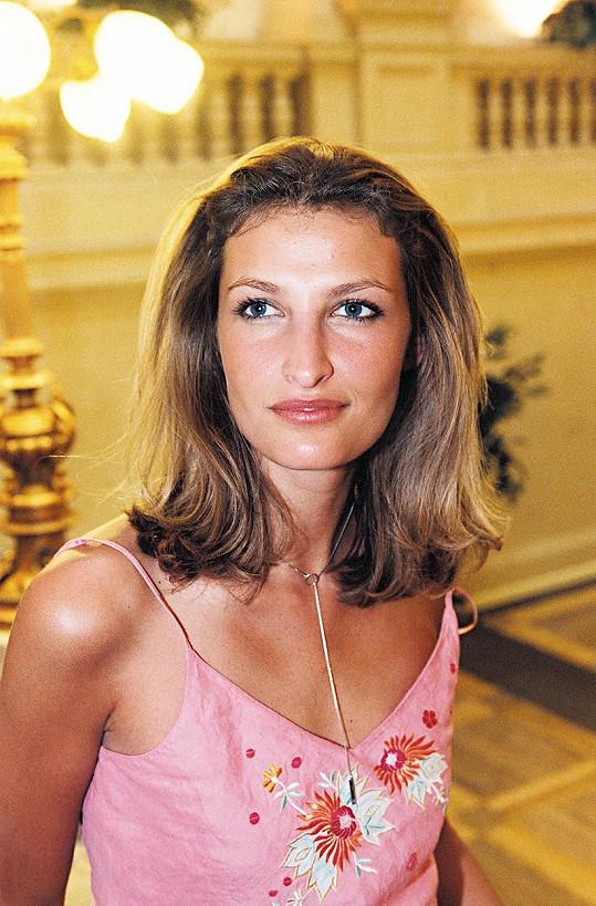 Kariéru odstartovala v roce 1989. Od té doby patří mezi nejvyhledávanější modelky.