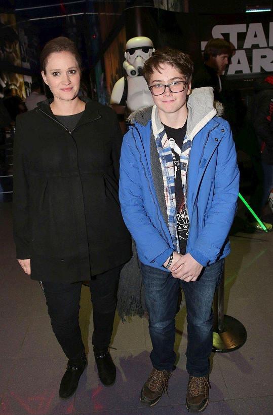 Natálie Kocábová vzala syna Vincenta do kina.