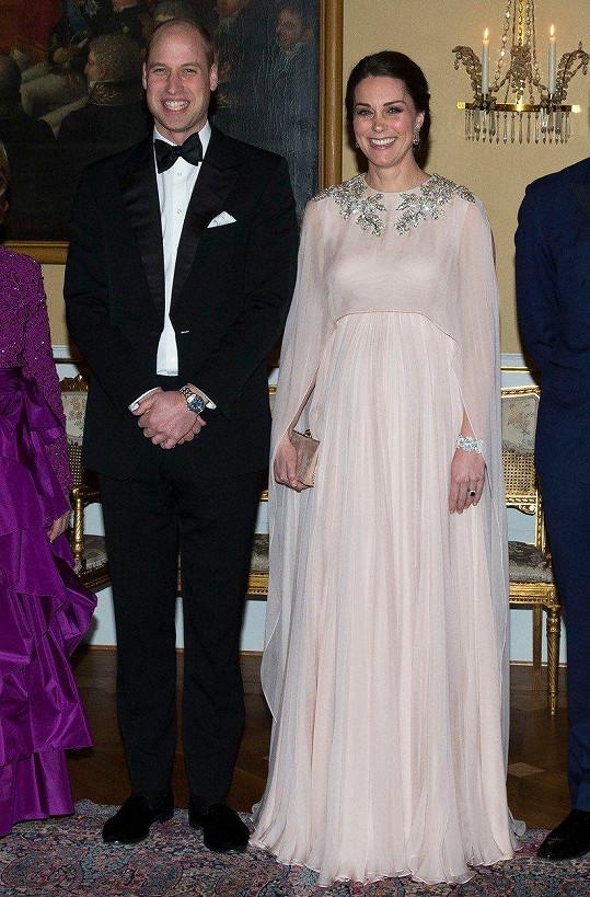 William a Kate se hodili do gala. Diamantový náramek nešlo přehlédnout.