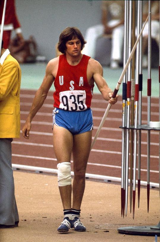 Bruce to jako desetibojař dotáhl až na olympijské zlato.