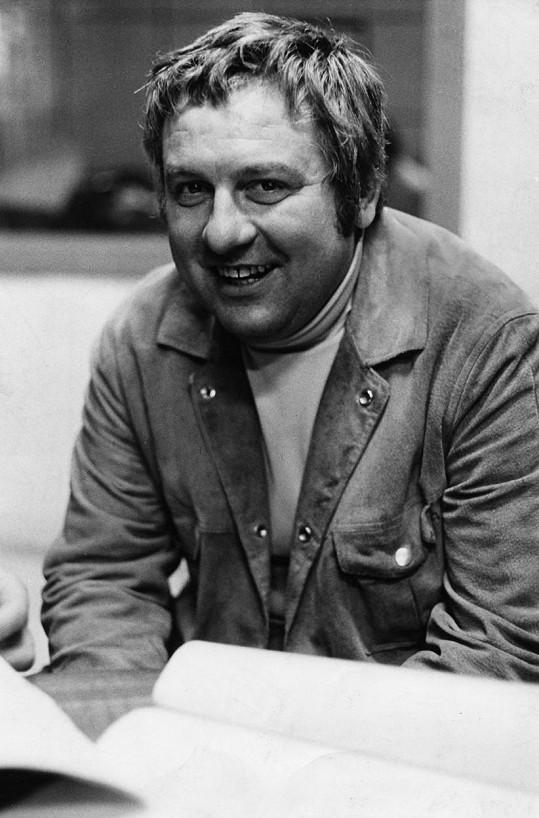 Josef Karlík byl oblíbený český herec.