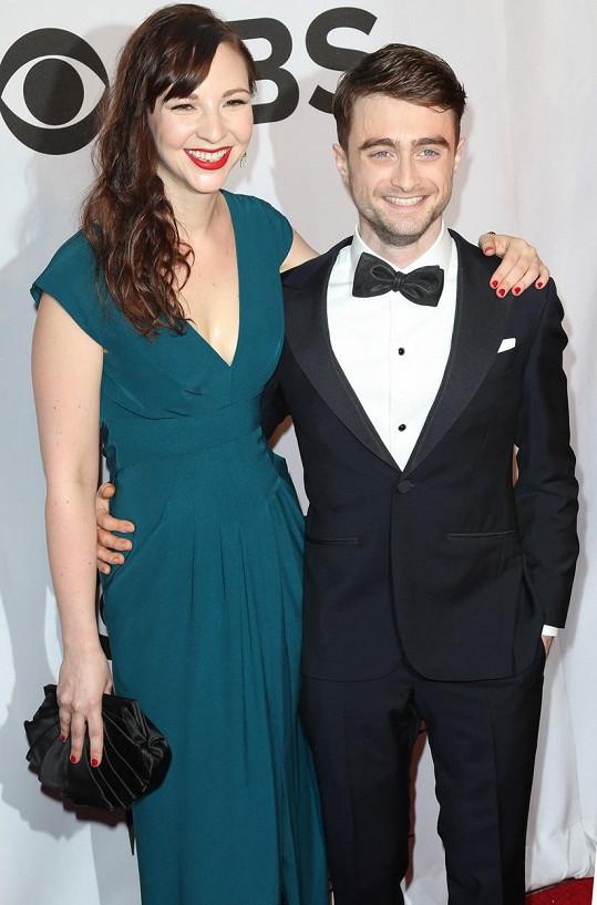 Daniel Radcliffe a jeho partnerka na loňských Tony Awards