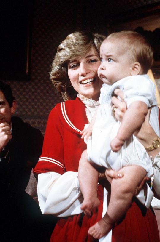 Princ William s maminkou Dianou na snímcích z konce roku 1982.