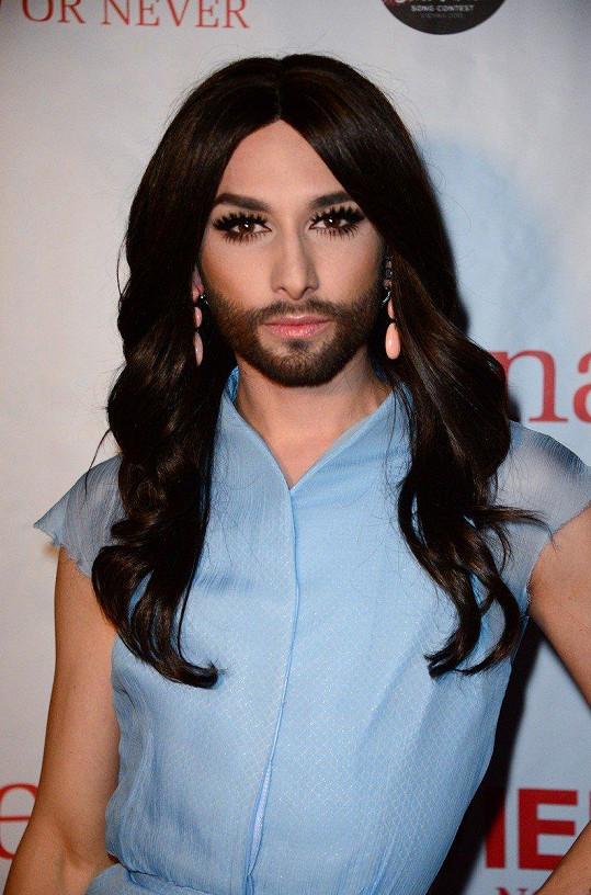 Conchita Wurst přiznala, že je HIV pozitivní.