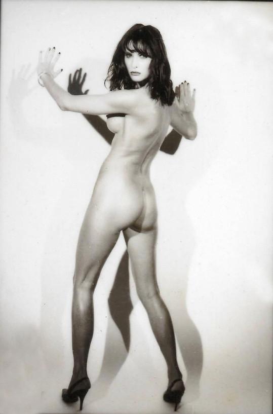 Šestadvacetiletá Melania objektivem pařížského fotografa de Bassevilleho