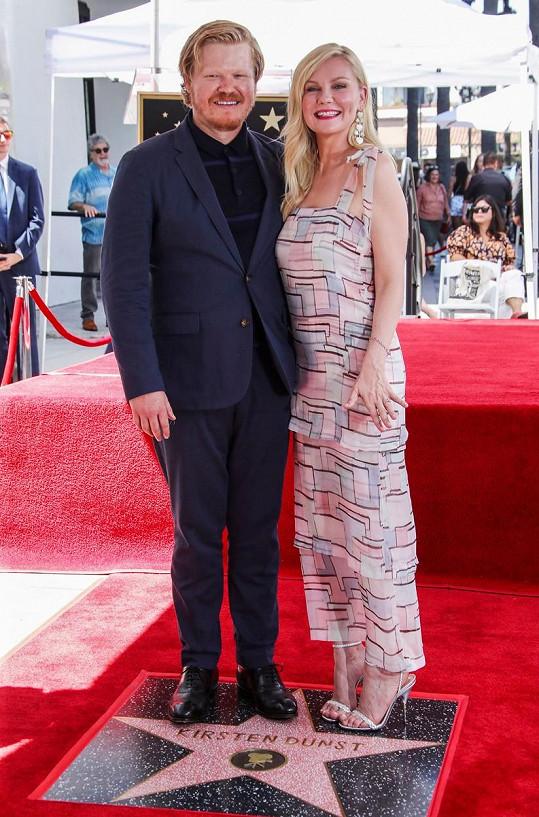 S manželem Jessem Plemonsem na odhalení hvězdy na chodníku slávy