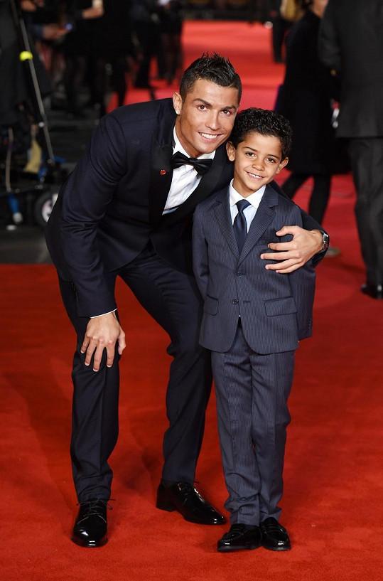 Ronaldo se synem, který se dočká sourozence.