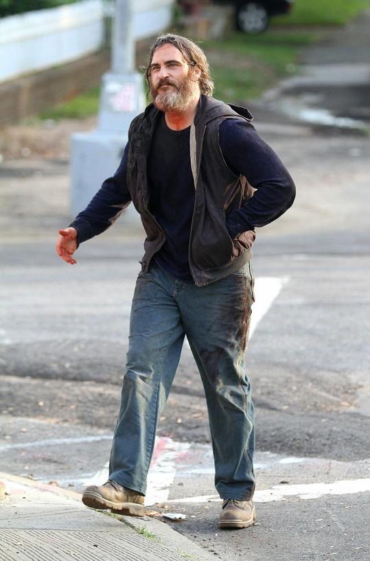 Joaquin Phoenix natáčí v New Yorku film You Were Never Really Here.