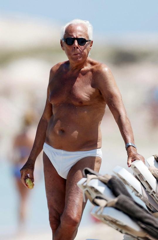 Giorgio Armani si na trendy moc nepotrpí.
