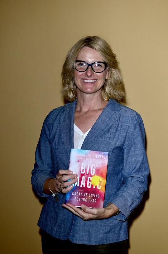 Elizabeth Gilbert s knihou Velké kouzlo