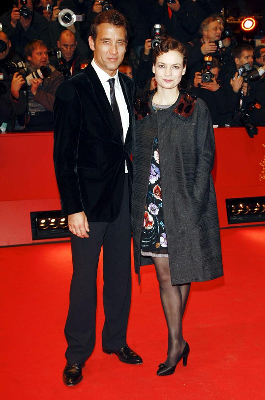 Clive Owen s manželkou Sarah-Jane Fenton