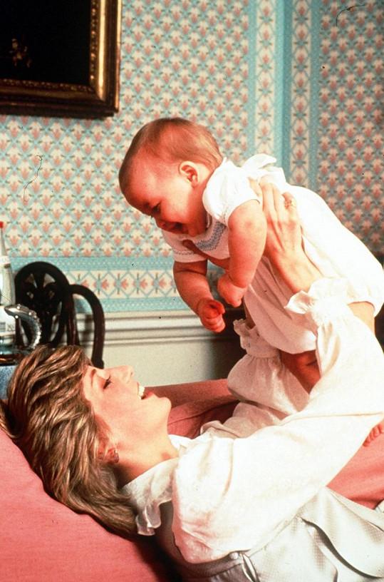 Diana s prvorozeným synem Williamem (1982)