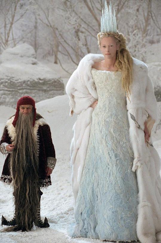 V Letopisech Narnie hraje Bílou čarodějnici.