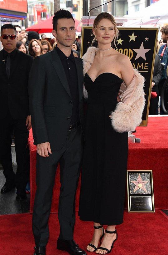 Adam Levine a Behati Prinsloo rozšířili jejich rodinku.