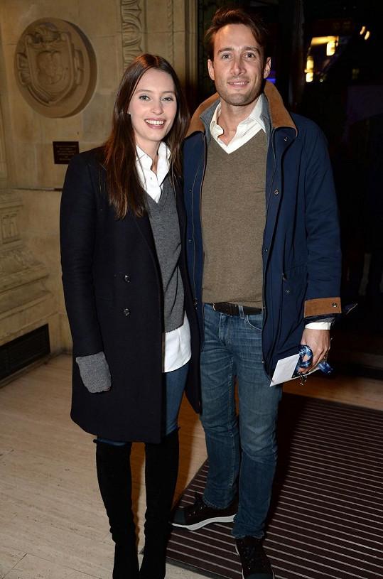 S manželem Matthewem už vychovává dceru Sky.