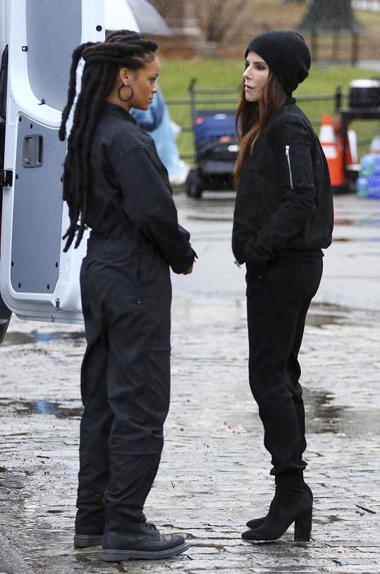 Herečka o pauze s Rihannou, která ve filmu taky hraje. Stejně tak například Anne Hathaway nebo Cate Blanchett