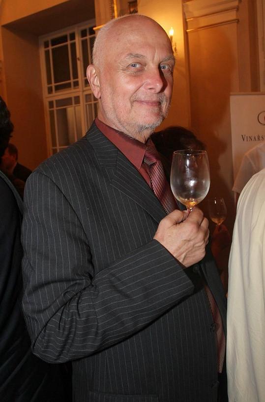 Její syn, populární moderátor Vladimír Čech, před sedmi roky podlehl rakovině.