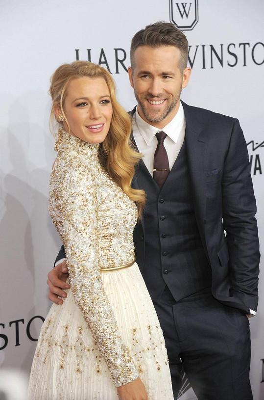 Blake Lively tvoří s manželem Ryanem Reynoldsem dokonalý pár.