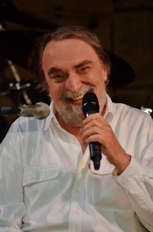 Jaroslav Wykrent je vynikající textař i zpěvák.