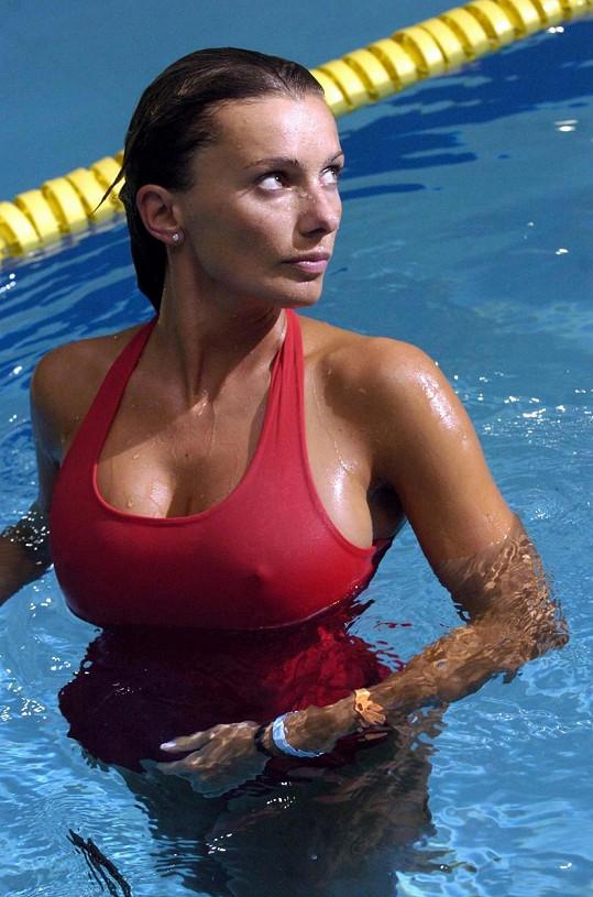 Alice Bendová v seriálu Bazén