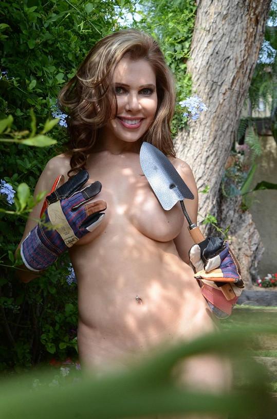 A podobným příspěvkem se k tomuto dni připojila i Erika Jordan z Playboye.