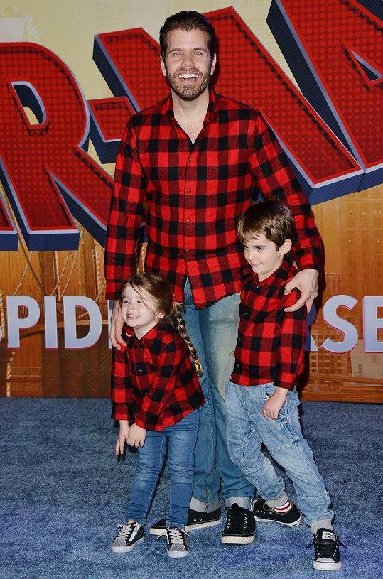 Perez Hilton a jeho první dvě děti.