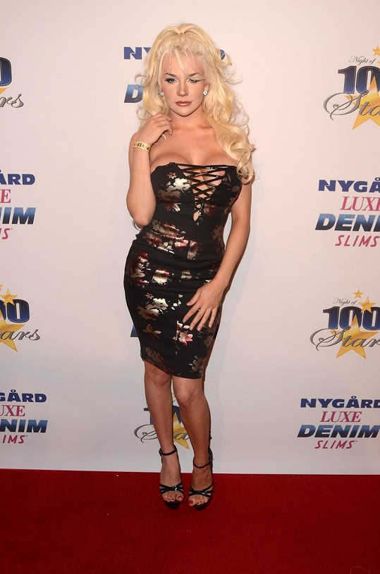 Courtney Stodden na večírku Night of 100 Stars