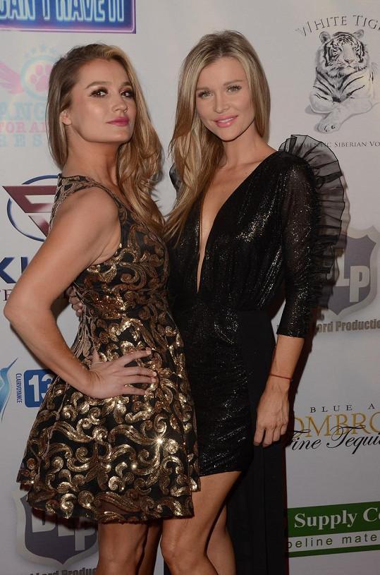 Joanna (vpravo) s mladší sestrou Martou