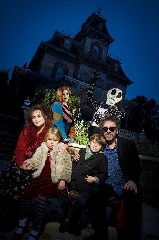 S bývalým manželem, režisérem Timem Burtonem a dětmi