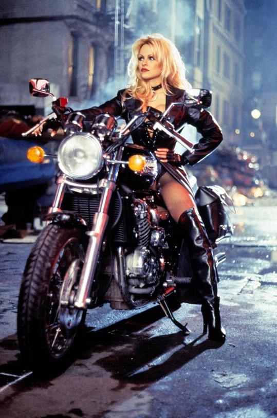 Pamela Anderson ve filmu Barb Wire