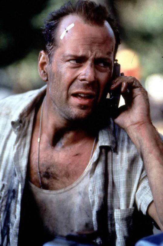 Bruce Willis také téměř neslyší na jedno ucho, a to od natáčení Smrtonosné pasti.