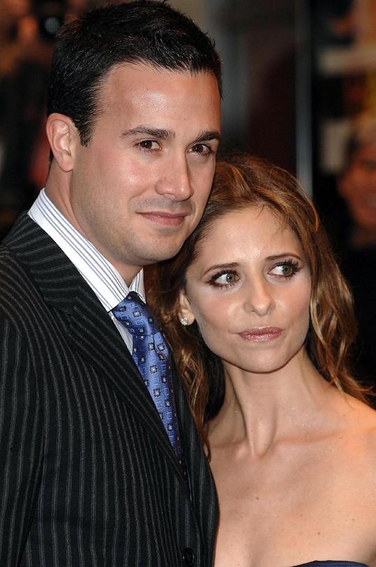 Freddie a Sarah jsou manželé už téměř třináct let.