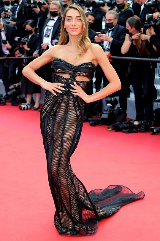 Elisa De Panicis na filmovém festivalu v Cannes.