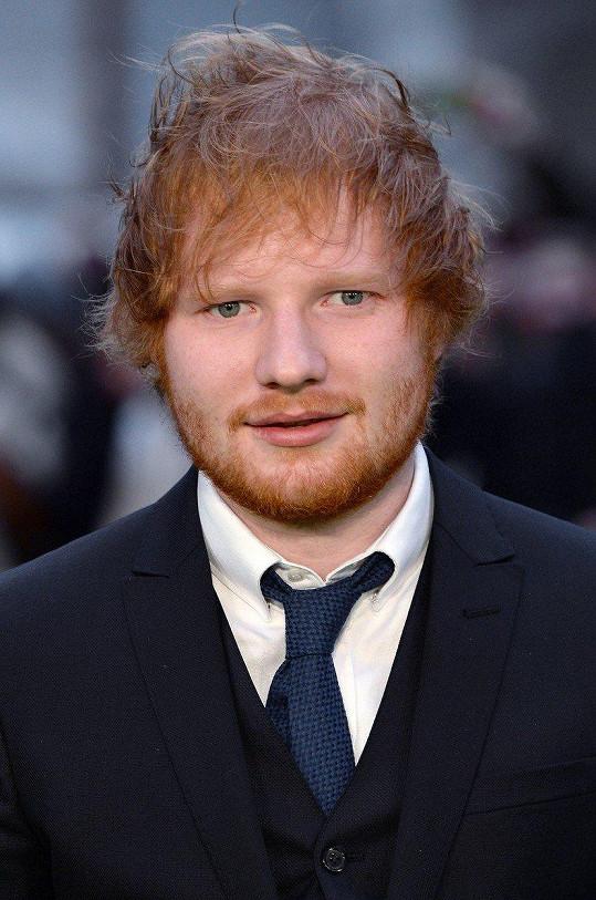 V původním znění Brandona namluvil Ed Sheeran.