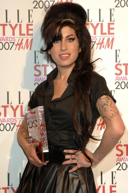 Bude to 10 let, co zemřela zpěvačka Amy Winehouse.