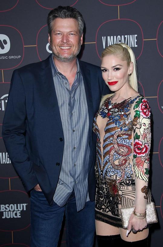 Gwen a Blake chystají po pětiletém vztahu veselku.