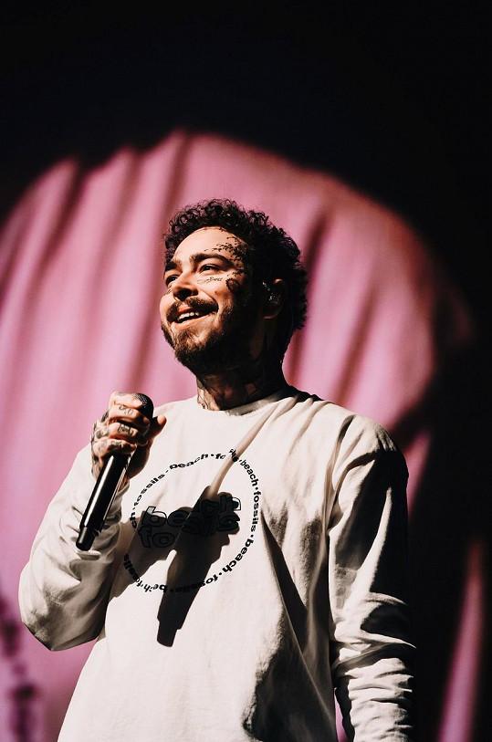 Jeho hudba baví milióny fanoušků po celém světě.