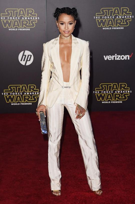 Karrueche Tran dostala pozvánku na premiéru filmu Star Wars: Síla se probouzí.