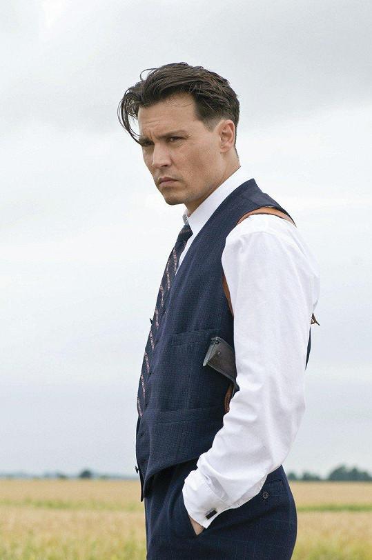 Johnny Depp ve filmu Veřejní nepřátelé (2009)