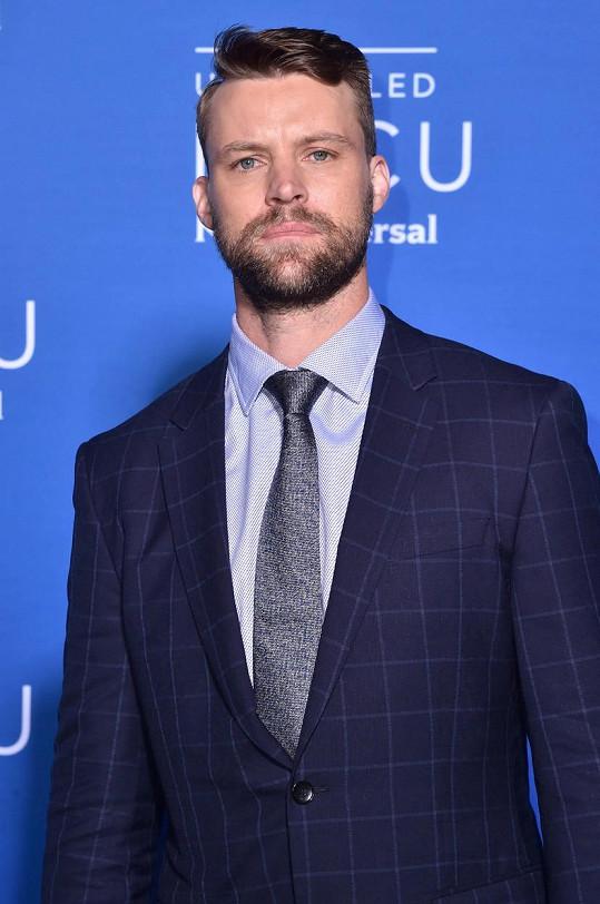 Jesse Spencer v roce 2017. To jeho tvář zdobily vousy.