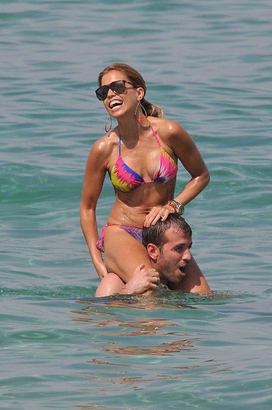 V roce 2012 byla na poslední dovolené spolu s manželem Rafaelem van der Vaartem ve francouzském St. Tropez. Pak se rozvedli.