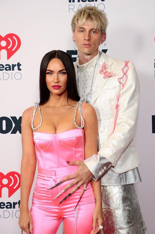 Megan Fox a Machine Gun Kelly tvoří nepřehlédnutelnou dvojici.