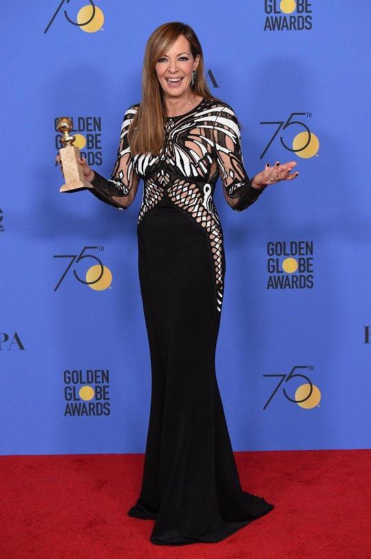Odvážný outfit měla i loni na Zlatých glóbech.