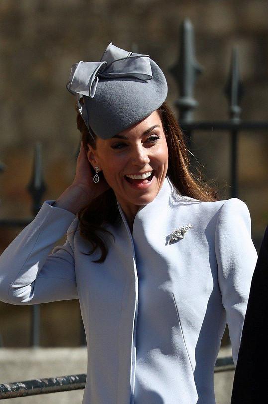 Na velikonoční mši si Kate vzala stejné náušnice, které měla v den svatby.