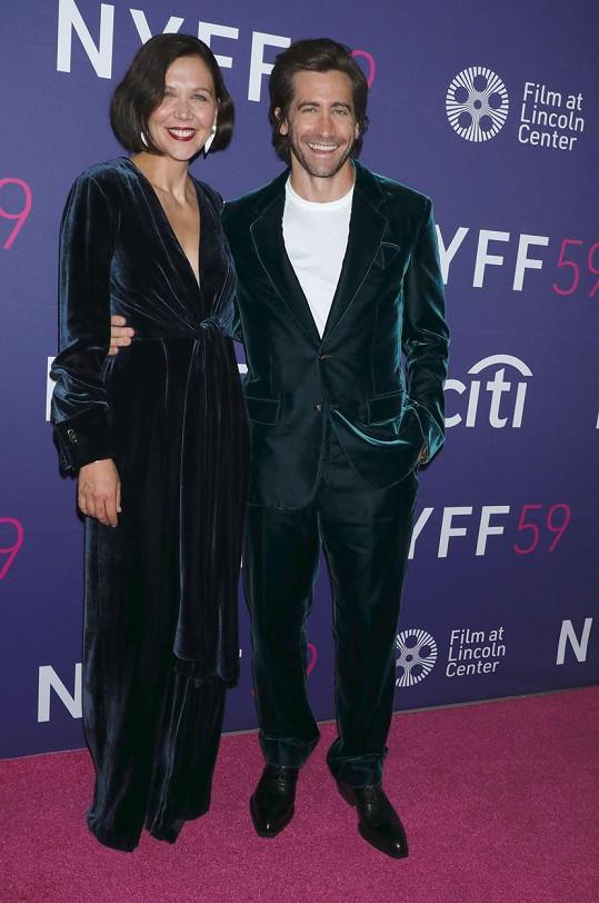 Maggie přišel podpořit i její mladší bratr Jake Gyllenhaal.