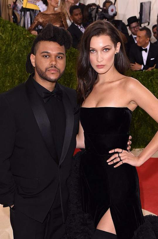 Weeknd v minulosti chodil s modelkou Bellou Hadid.