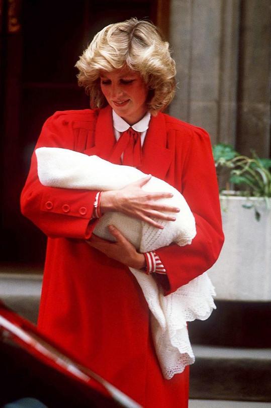 Stejnou barvu zvolila princezna Diana i po porodu prince Harryho.