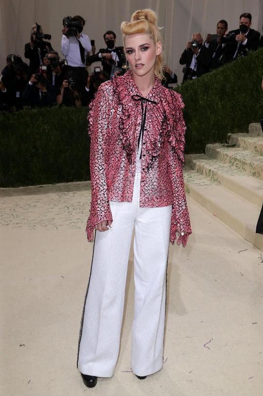 Kristen Stewart v modelu značky Chanel