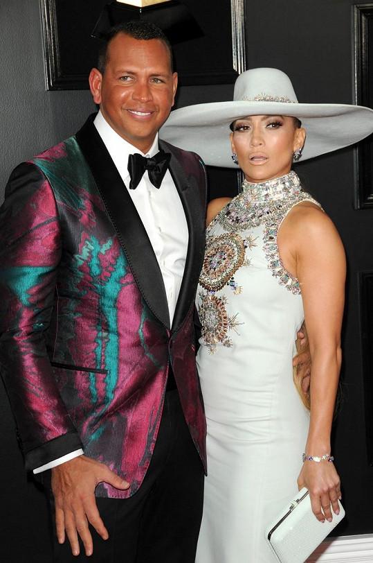 """Jennifer Lopez prý s Alexem """"něco řeší"""". Ale jsou stále spolu."""